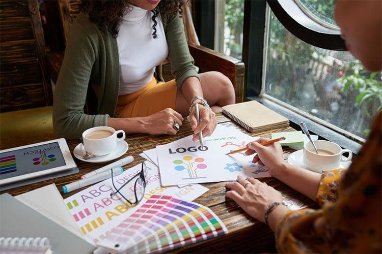 presenting-logo-design-to-client